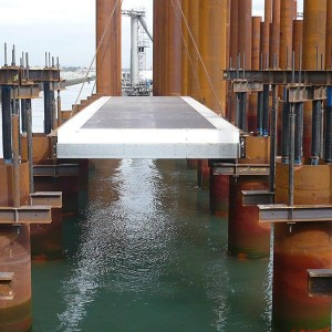 M--Placement-of-floating-formwork-panels,-GP-wharf--Client-Port-of-Brisbane-Corporation-sml.jpg